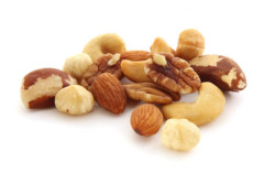 Орехи богаты витамином Е