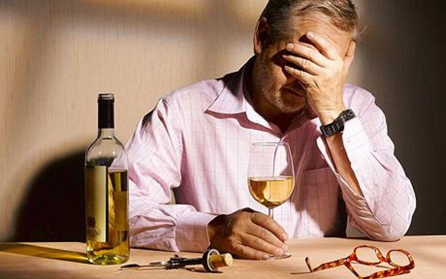 Признаки алкоголизма у мужчин адаптация и лечение алкоголика в течение последующих лет