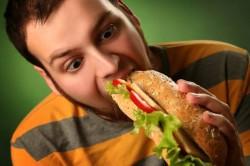 Неправильное питание - частая причина заболевания