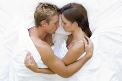 Утренний секс благотворно сказывается на потенции