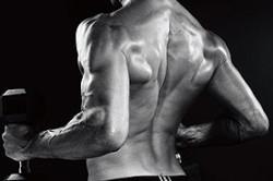 Укрепление мышц спины с помощью гантелей