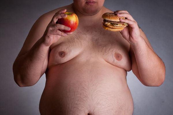 Неправильное питание-одна из причин лишнего жира в области груди