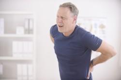 Болит низ живота слева у мужчин