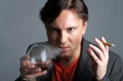 Вредные привычки и стрессы могут стать причиной бесплодия