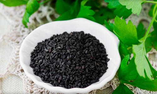 Черное кунжутное семя
