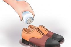 Насыпание порошка в обувь