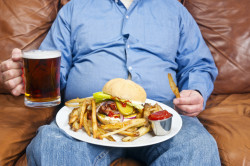 Алкоголь и нездоровая еда - причины падения уровня тестостерона