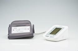 Прибор для измерения артериального давления и частоты пульса