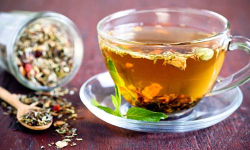 Употребление монастырского чая при гипергидрозе