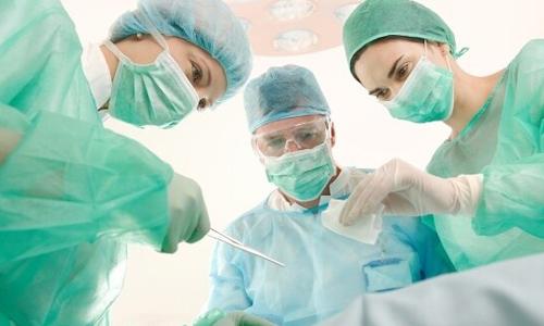 Хирургическая операция по лечению храпа